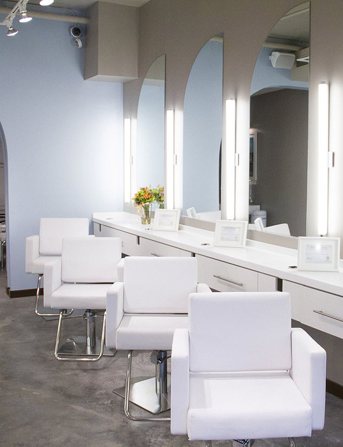 Empty chairs in a blowout co salon
