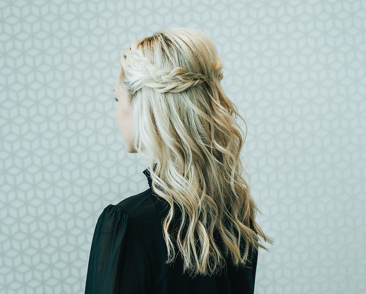 Mess Wavy Blowout with Braids